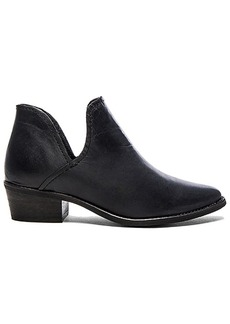 Steve Madden Austin Bootie in Black. - size 6 (also in 6.5,7.5,9.5)