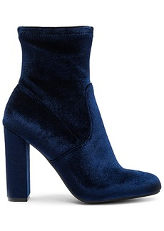 Steve Madden Edit Bootie in Navy. - size 10 (also in 5.5,6,7.5)