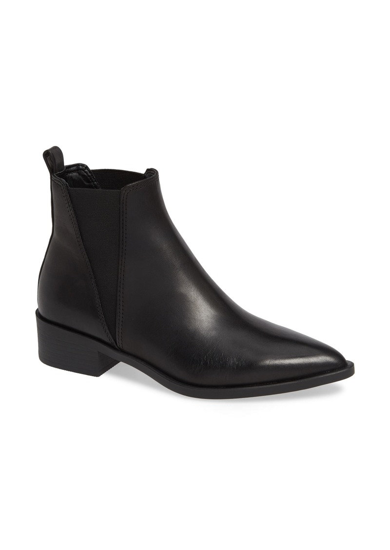 Steve Madden Jerry Chelsea Boot (Women)