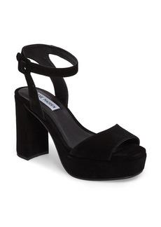 Steve Madden Verdict Platform Sandal (Women)