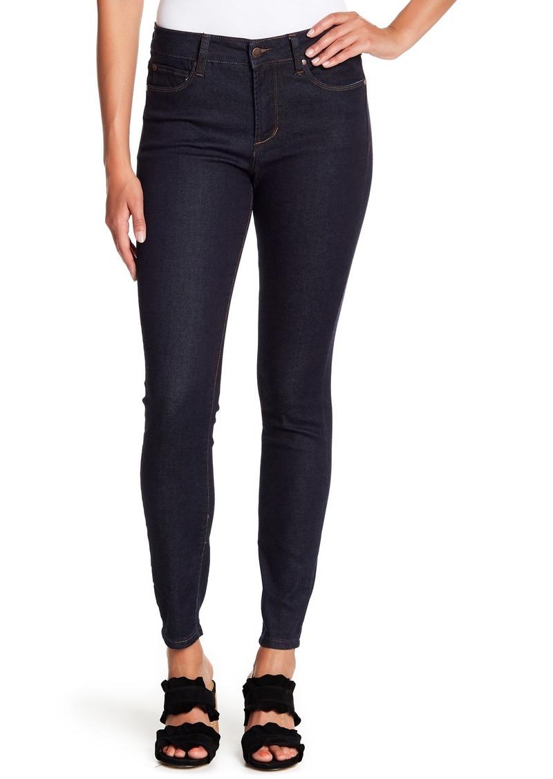Tahari Classic Skinny Jeans