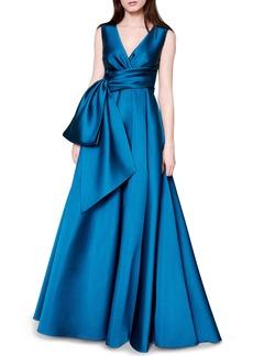 Women's Talbot Runhof Bow Detail V-Neck Silk Satin Duchesse Gown