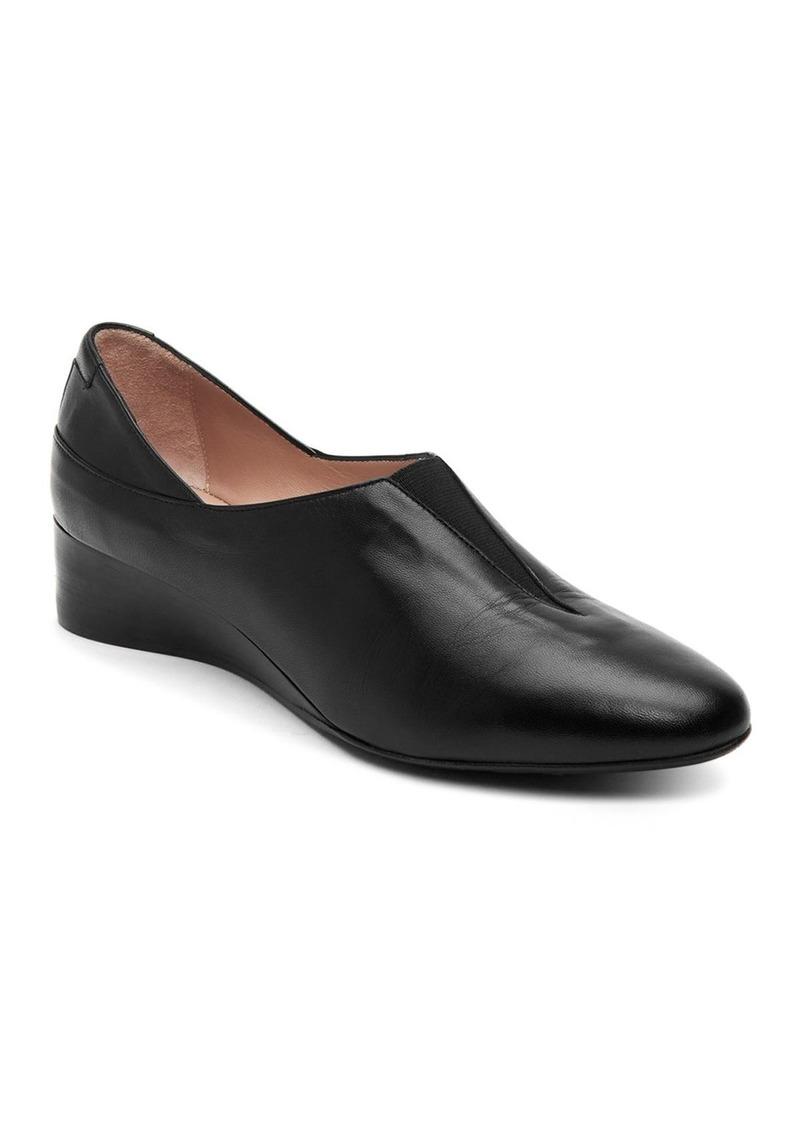 Taryn Rose Women's Carmela Leather Flats