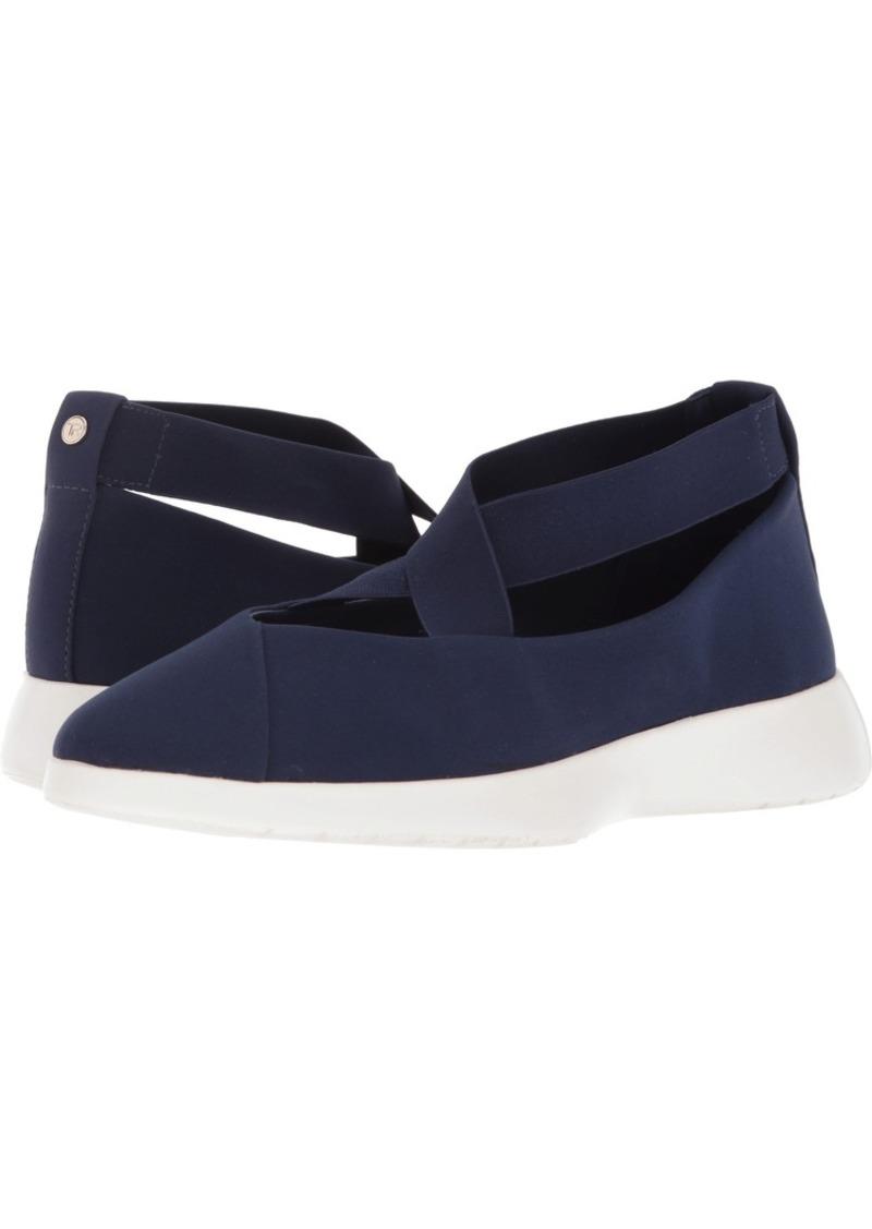 Taryn Rose Women's Danielle LUX Stretch Sneaker  8.5 M M US