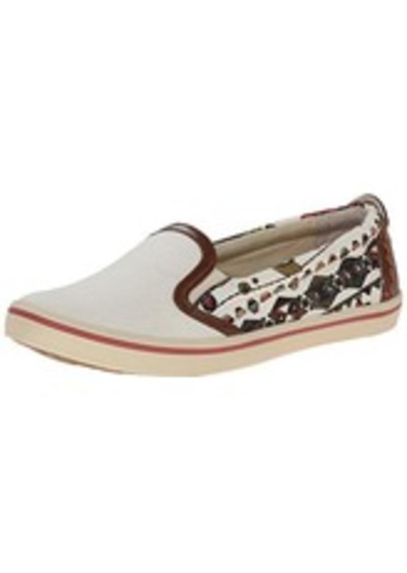 Who Sales Sak Shoes