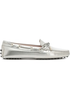Tod's Woman Bow-embellished Metallic Leather Moccasins White Gold