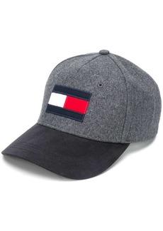 Tommy Hilfiger signature baseball cap