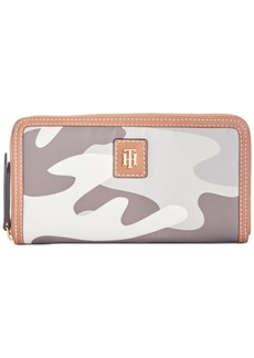 Tommy Hilfiger Julia Solid Nylon Zip Wallet