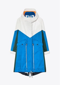 Tory Burch PERFORMANCE SATIN COLOR-BLOCK PARKA