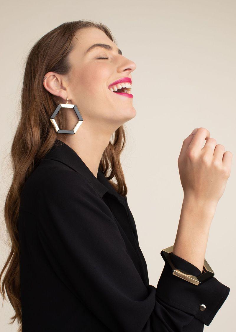Trina Turk HEXAGON HOOP EARRING