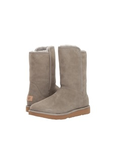 UGG Abree Short II