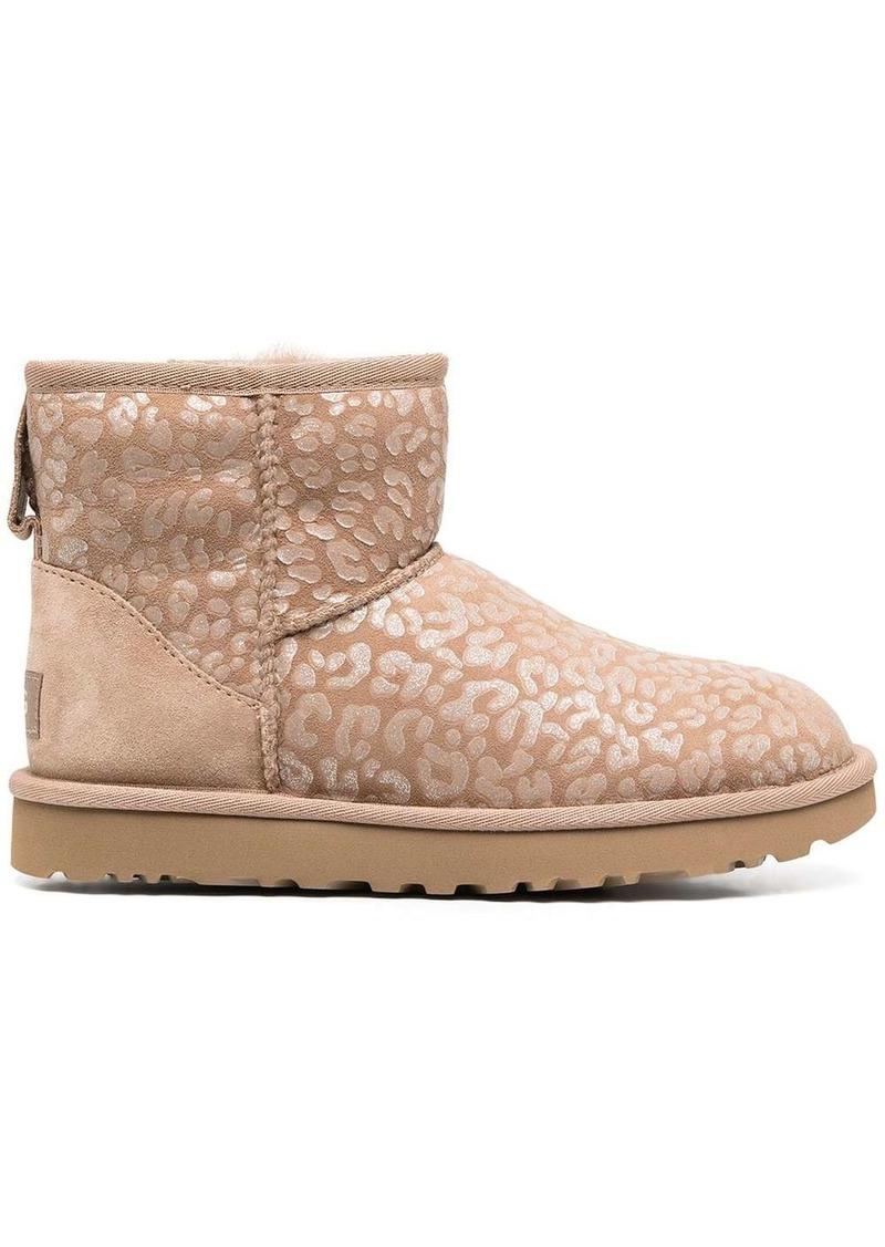 Classic mini II leopard print boots