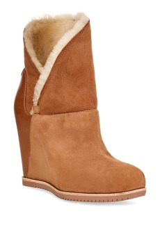 UGG Classic Mondri Cuff Wedge Booties