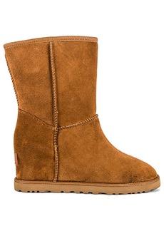 UGG Classic Femme Short Boot