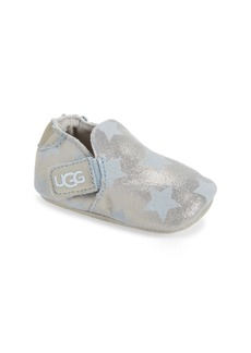 UGG® Roos Metallic Star Crib Shoe (Baby)