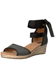 UGG Women's Amell Wedge Sandal  7.5 B US