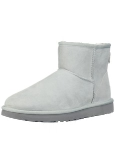UGG Women's Classic Mini II Fashion Boot   M US