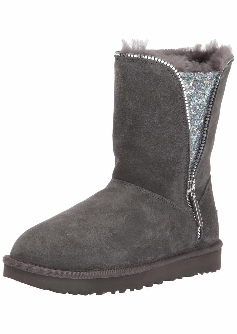 UGG Women's Classic Zip Boot Fashion   M US