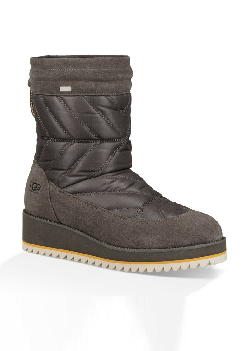 UGG(R) Beck Waterproof Quilted Boot (Women)