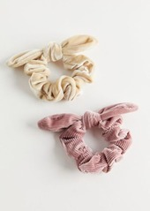 Urban Outfitters Exclusives Velvet Bow Scrunchie Set