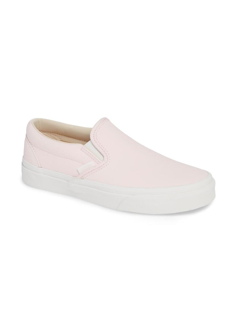 cb0213f62922 Vans Vans UA Classic Slip-On Sneaker (Women)