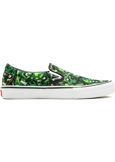 Vans x Supreme Slip-On Pro sneakers