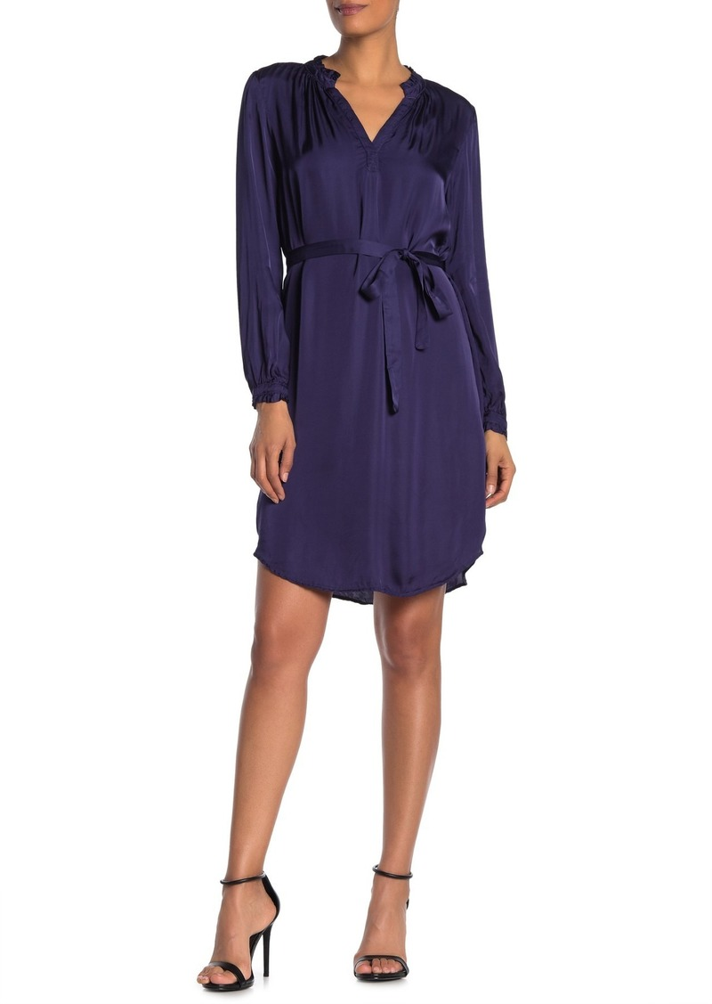 Velvet by Graham & Spencer Donna Satin Long Sleeve Tie Waist Dress