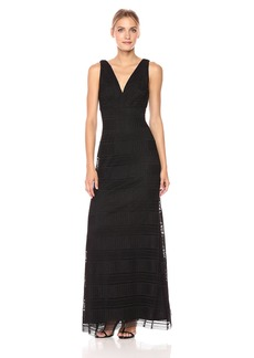 Vera Wang Women's Sleeveless Crochet Lace Gown V Neck