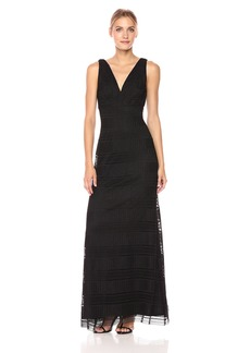 Vera Wang Women's Sleeveless Crochet Lace Gown With V Neck