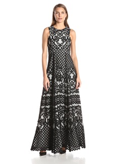 Vera Wang Women's Sleeveless Lace Gown