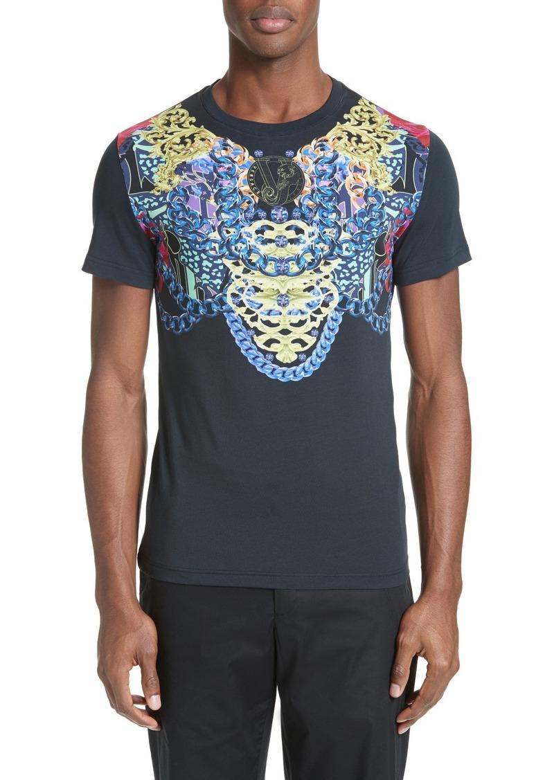 b2bcca10 Versace Versace Jeans Baroque Chain Print T-Shirt | T Shirts