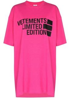 Vetements logo-print oversized T-shirt