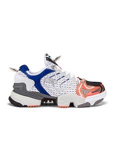 VETEMENTS Spike Runner 400 Sneakers