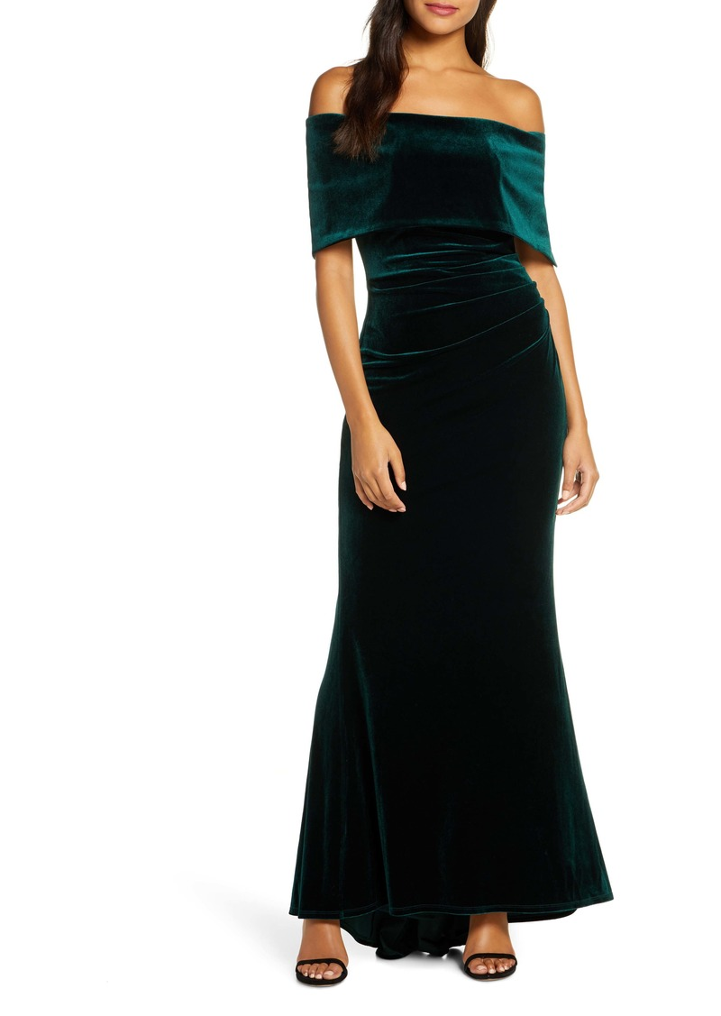 Vince Camuto Off the Shoulder Velvet Trumpet Gown