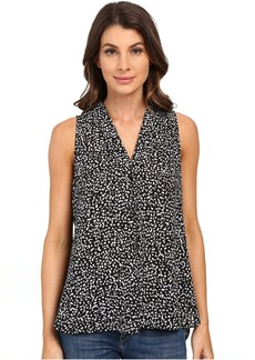 Vince Camuto Sleeveless Speckle Pop V Blouse w/ Front Pleat