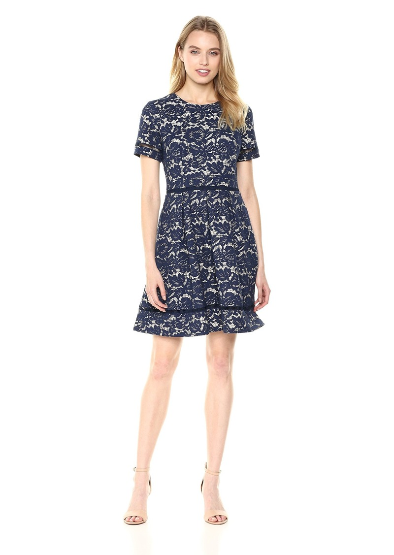 VINCE CAMUTO Women's Lace Fit and Flare Dress