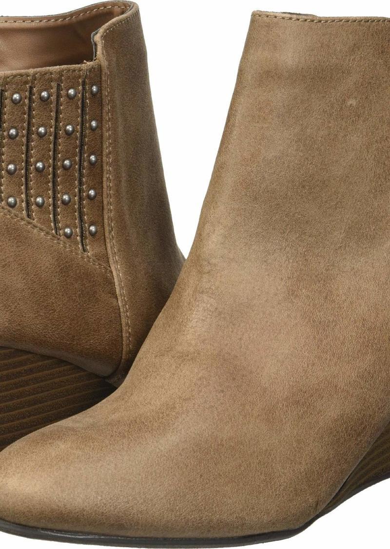 XOXO Women's Barnett Fashion Boot   M US