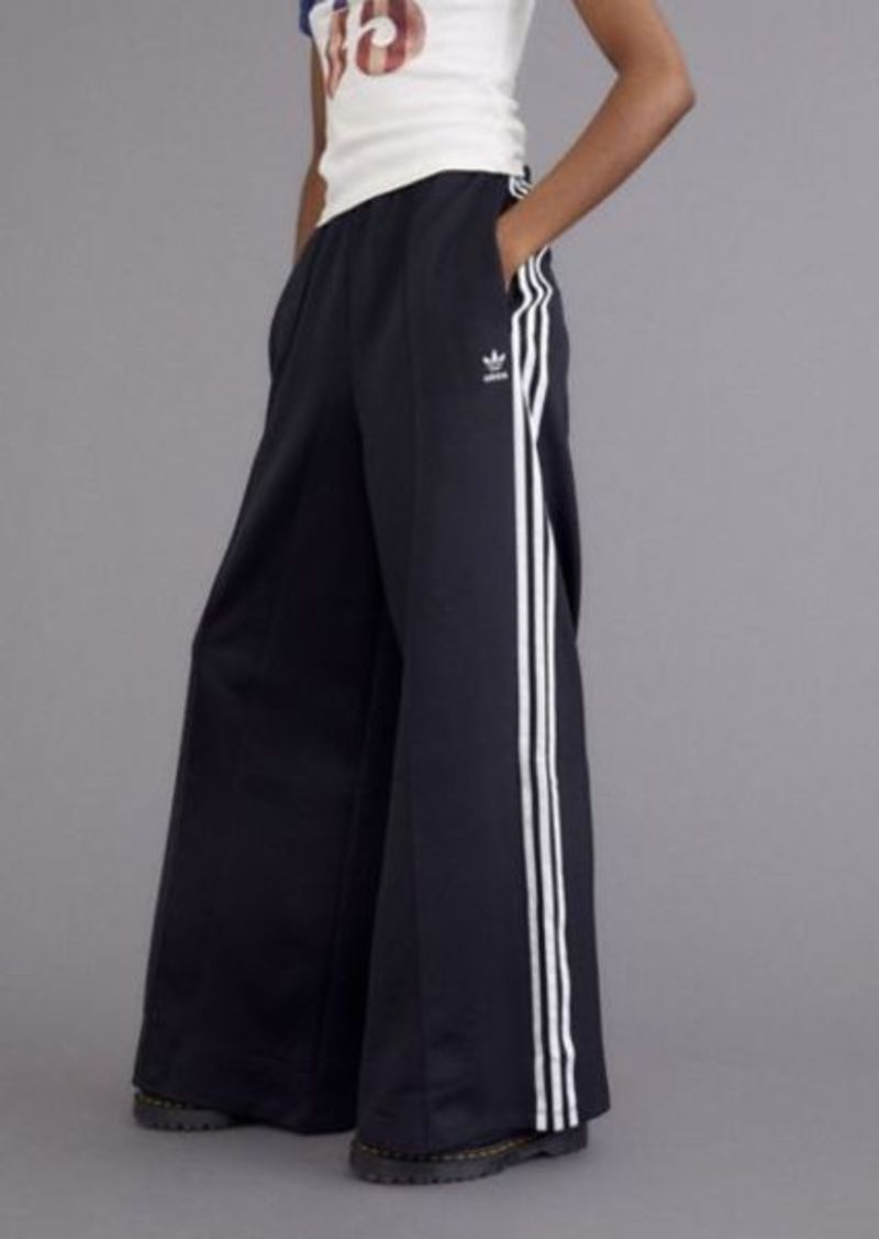 adidas Relaxed Wide-Leg Pant