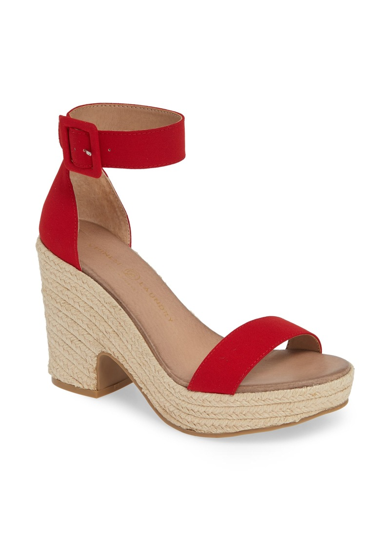 Chinese Laundry Queen Platform Sandal (Women)