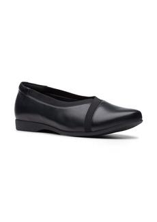 Clarks® Un Darcey Ballet Flat (Women)