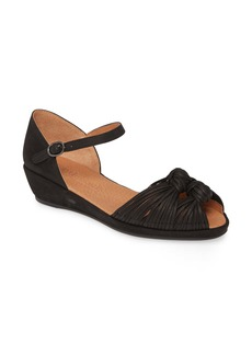 Gentle Souls by Kenneth Cole Lily Knot Sandal (Women)