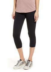 Hue Reversible Terry Capri Leggings