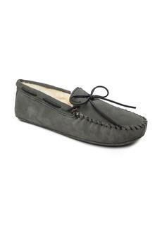 Minnetonka Genuine Shearling Lined Leather Slipper (Men)