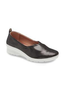 Taryn Rose Eliza Slip-On Sneaker