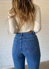 Urban Outfitters Exclusives BDG High-Waisted Longline Girlfriend Jean - Medium Wash