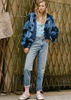 Urban Outfitters Exclusives BDG High-Waisted Mom Jean - Light Wash
