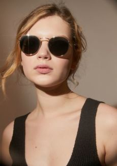 Urban Outfitters Exclusives Billie Metal Round Sunglasses