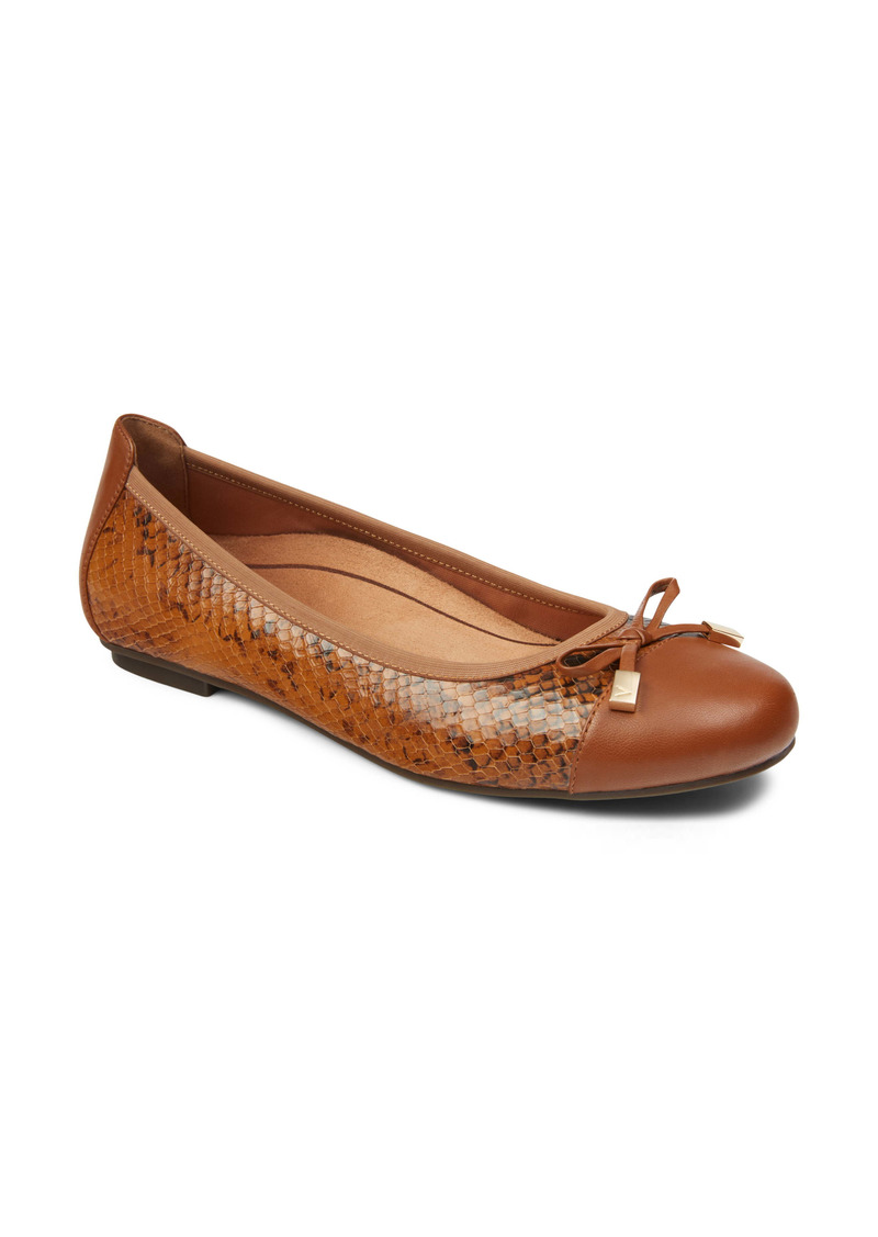 Vionic 'Minna' Leather Flat (Women)