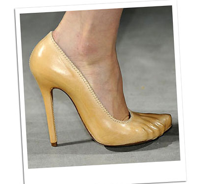 mcqueen-bare-foot-stiletto