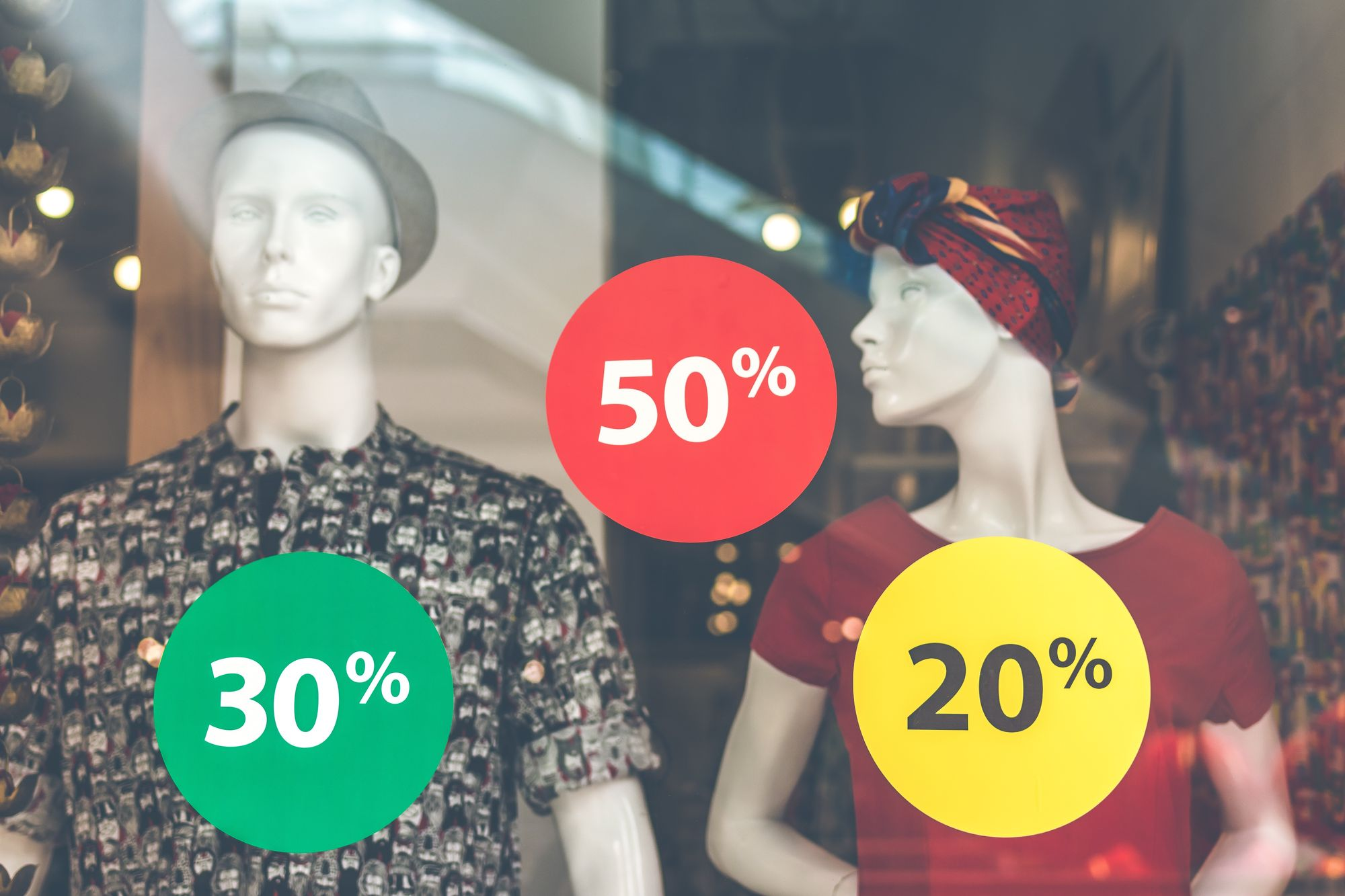 The Best Time to Buy for The Biggest Designer Discounts